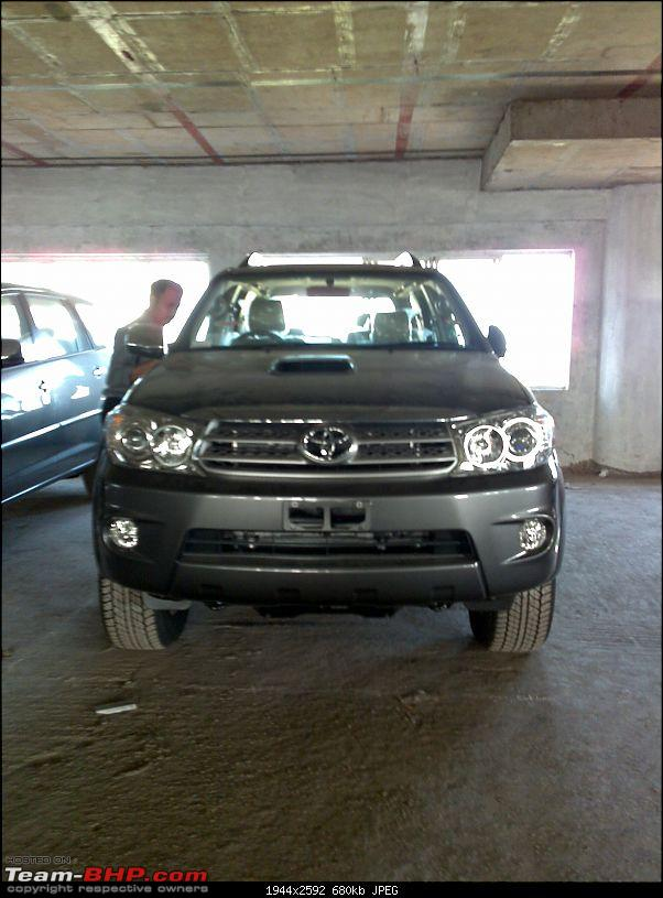 Spotted Toyota Fortuner. PICS on Pg. 5 & 19. EDIT : Launch on 24th August!-18082009088.jpg