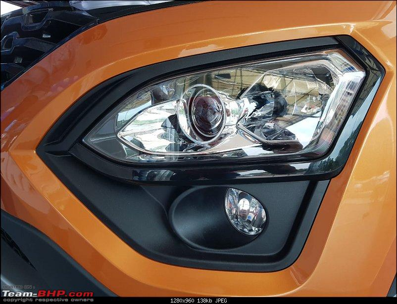 Tata H5X Concept @ Auto Expo 2018. Named Tata Harrier! EDIT: Launched @ Rs. 12.69 lakhs-6-headlight.jpeg