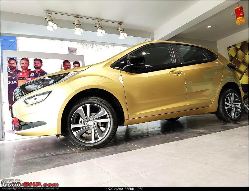 Indian cars with unusual colours from the factory-altroz.jpg