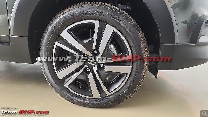 Facelifted Tata Tiago NRG spied-20210731_153459.jpg