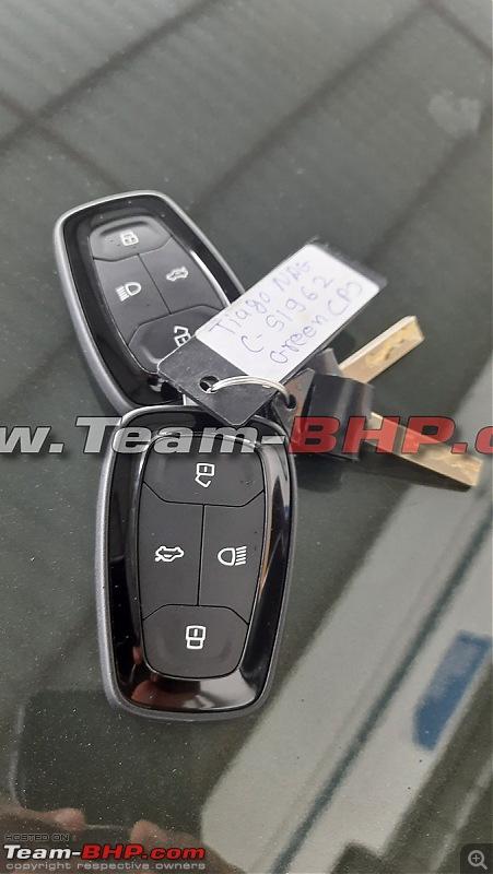 Facelifted Tata Tiago NRG spied-20210731_154853.jpg