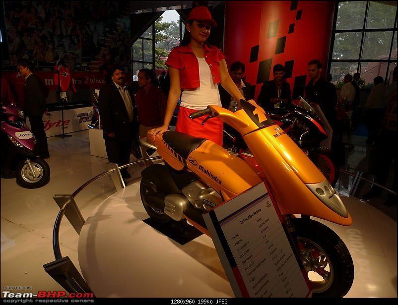 Mahindra at the Auto Expo 2010-p1030703.jpg