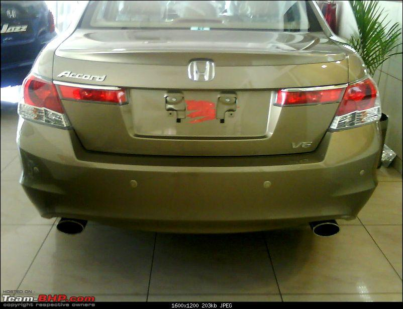 Pics: 2010 Accord V6 with bluetooth kit for mobile phone-dsc02619.jpg
