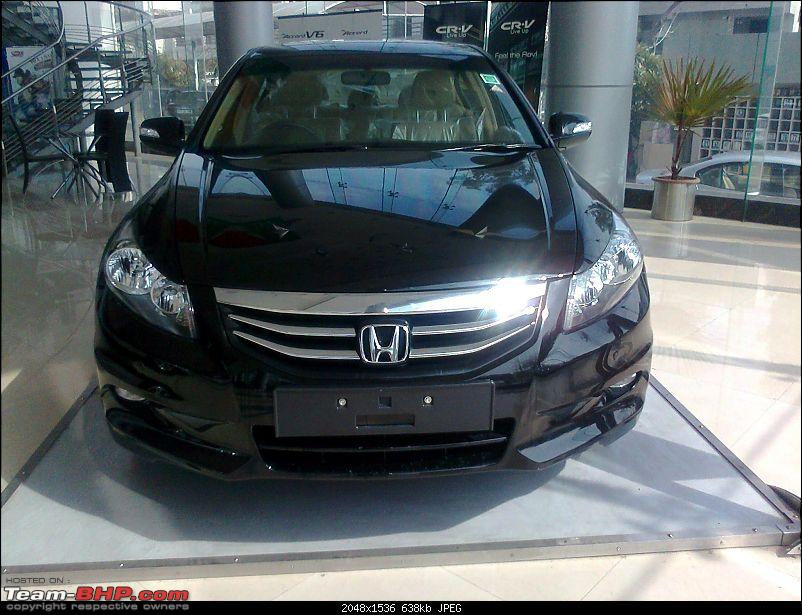 Scoop shots: 2011 Honda Accord Facelift. EDIT : Now launched!-photo2256.jpg