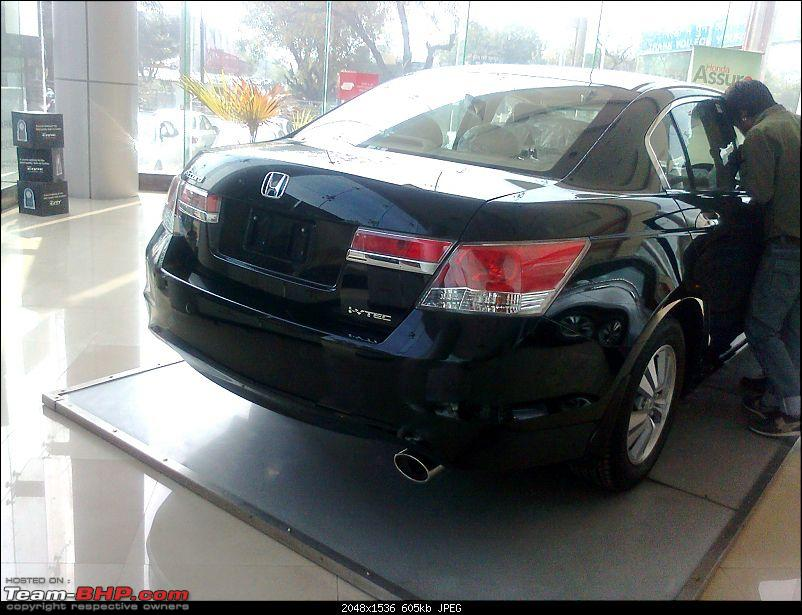 Scoop shots: 2011 Honda Accord Facelift. EDIT : Now launched!-photo2263.jpg