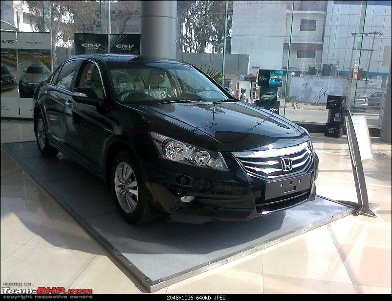 Scoop shots: 2011 Honda Accord Facelift. EDIT : Now launched!-photo2276.jpg