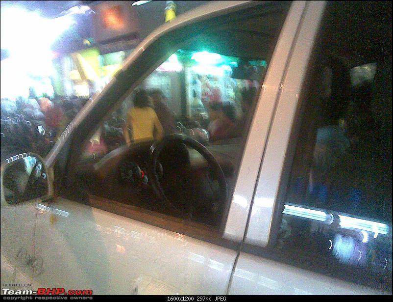 Tata Safari Left Hand Drive Spotted.-02102008.jpg