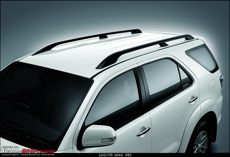 Toyota Fortuner Facelift Spied! *UPDATE* Uncovered pics on Pg.6-2012-toyota-fortuner15.jpg
