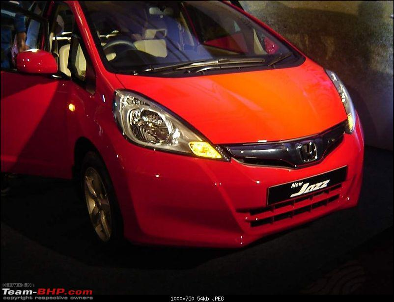 Honda slashes price on Jazz as well ? EDIT: Launch pics of new Jazz Pg.56-hondajazzfacelift1.jpg
