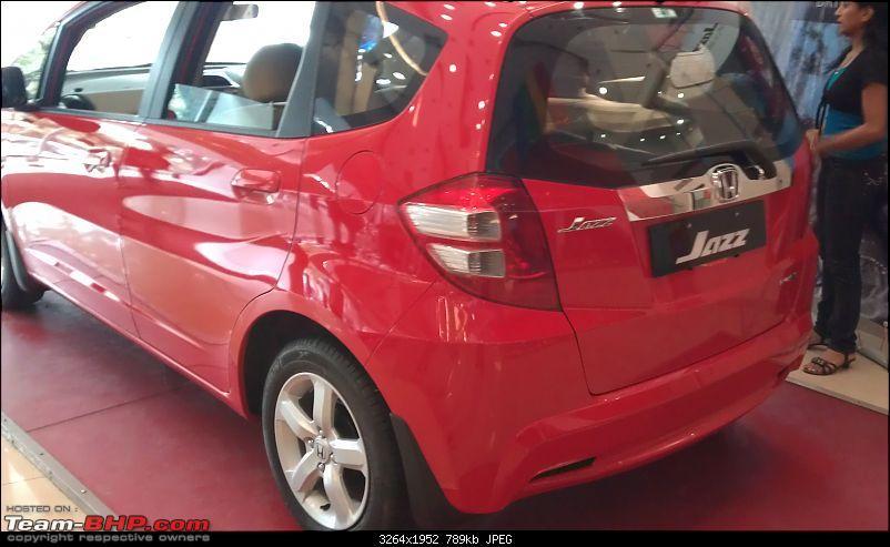Honda slashes price on Jazz as well ? EDIT: Launch pics of new Jazz Pg.56-imag0309.jpg