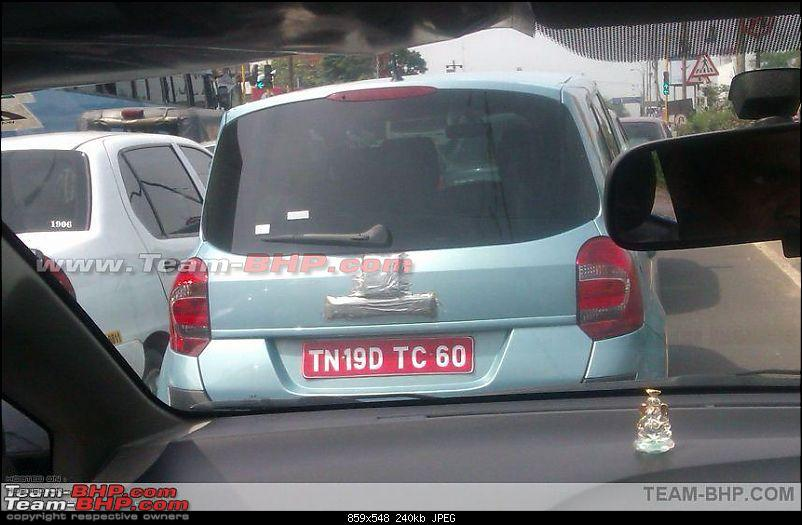 SCOOP Renault's new small car *Modus* caught testing. EDIT : New pics on Page 6-snap1i.jpg
