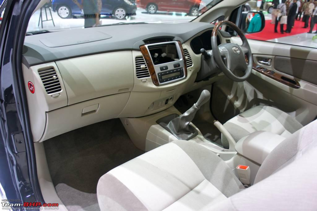 all new toyota innova 2014 interior. Black Bedroom Furniture Sets. Home Design Ideas