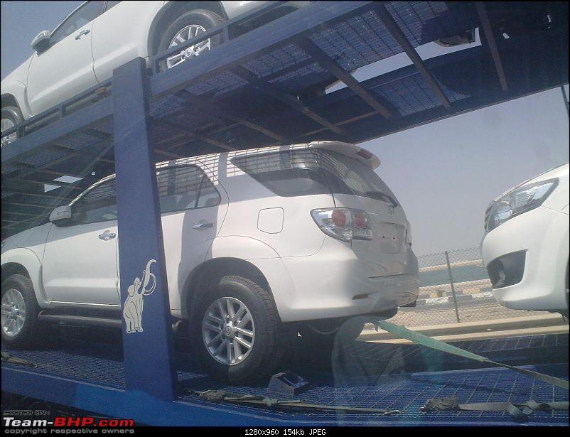 Toyota Fortuner Facelift Spied! *UPDATE* Uncovered pics on Pg.6-031020111116.jpg
