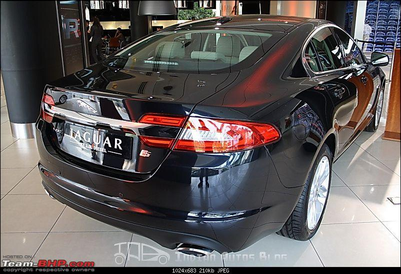 Jaguar XF Facelift has reached the Mumbai dealer; to be launched in December 2011-jaguarxffacelift5.jpg