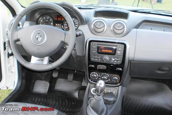 Name:  RenaultDusterPrivilege4x4_Interior..jpg