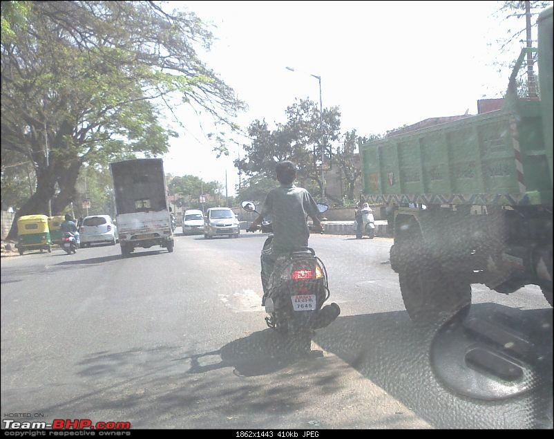 No traffic rules for Defence & Police forces in India?-04022012488.jpg