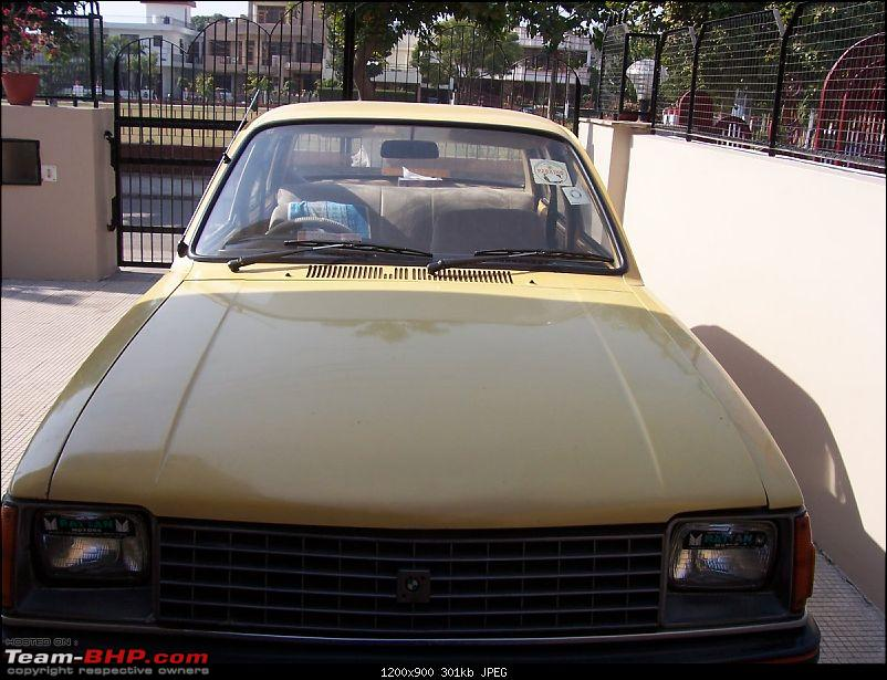 Cars with bonnets visible for drivers.-100_4094.jpg