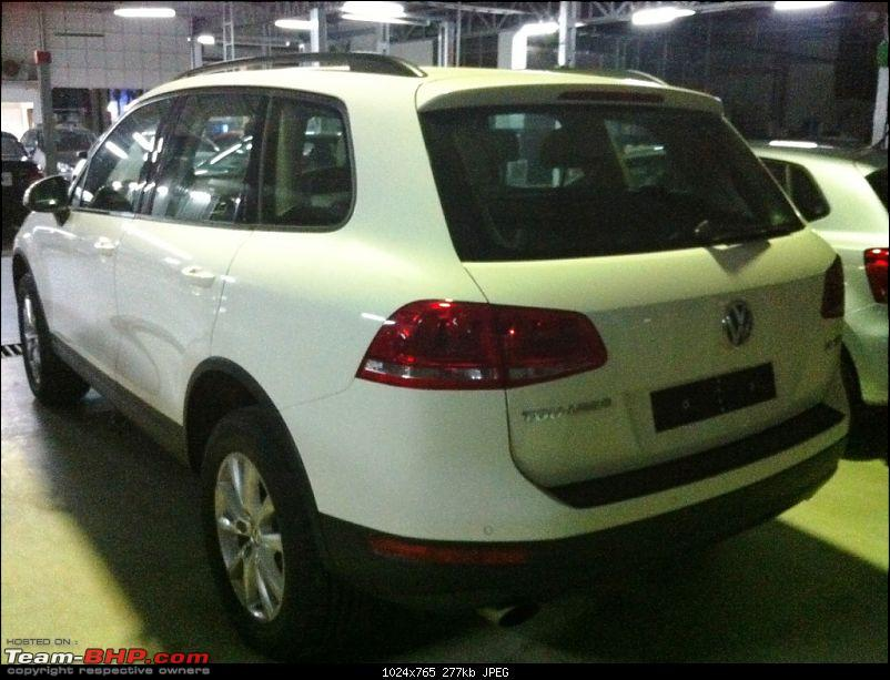 2011 Touareg Spotted. EDIT : Launched at 58.5 Lakhs-20120903-19.19.51.jpg