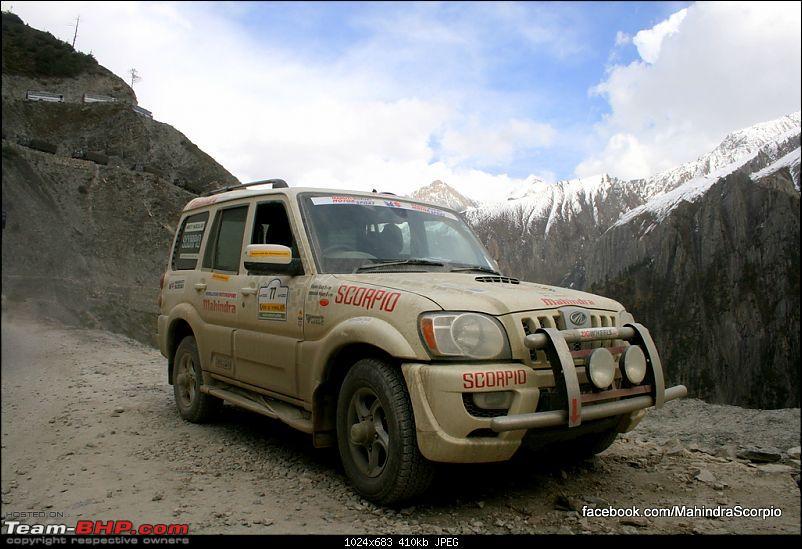 Raid de Himalaya 2009-zolija-pass-back-gate-into-srinagar.jpg