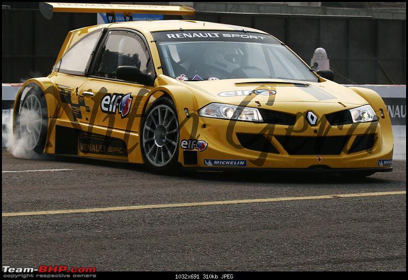 Pics & Videos : Renault F1 Road Show in Delhi-megane2.jpg