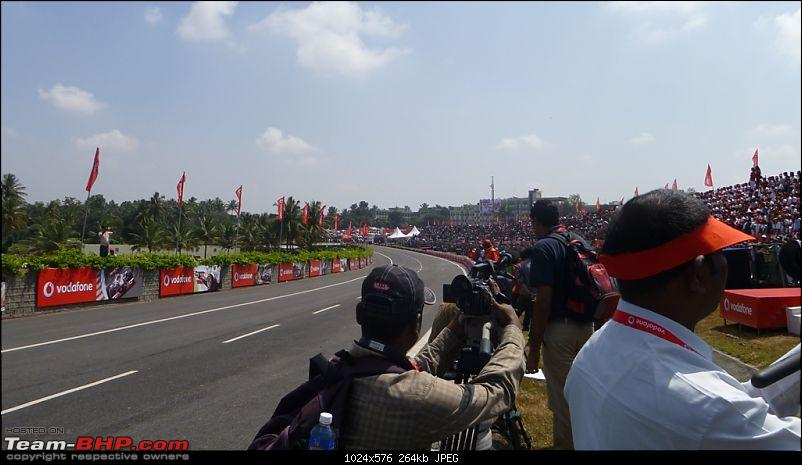 Hamilton drives an F1 car in bangalore! Report from Pg.5 onwards-2.-amazing-crowd-towards-my-right.jpg
