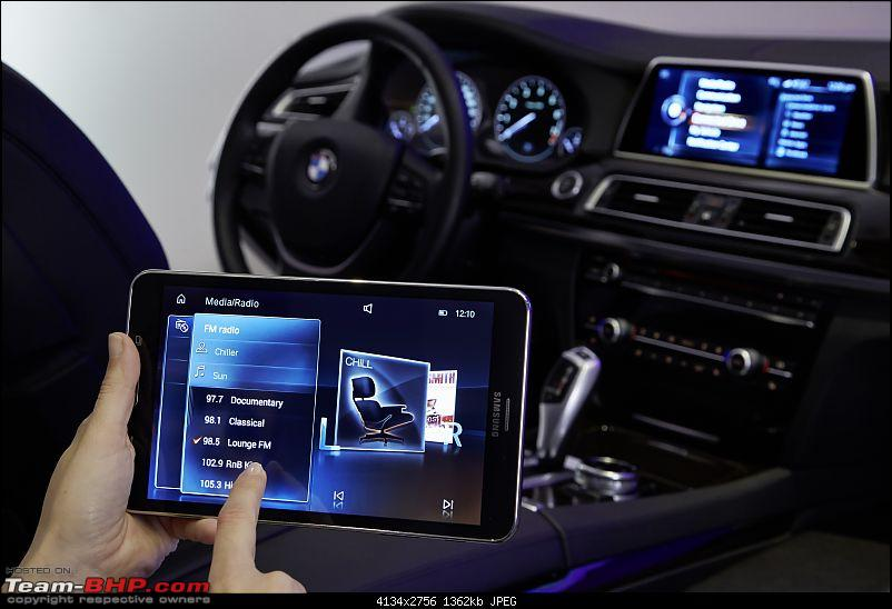 BMW showcases next-gen iDrive - Touchscreen & gesture based controls-nextgenidrivewithgesturecontrolandtouchscreenunveiledat2015cesphotogallery_26.jpg