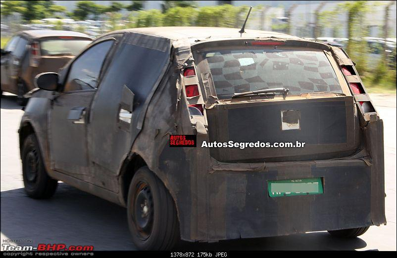 Fiat begins testing the next-generation Punto. EDIT: Named Argo-flagra_novo_fiat_punto_1.jpg