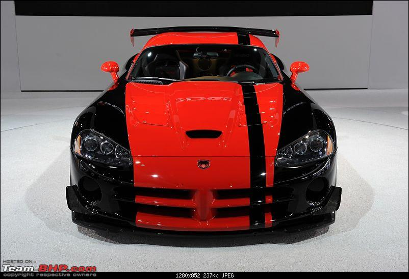 All the action of Detroit Motor Show 2010-viper13305.jpg