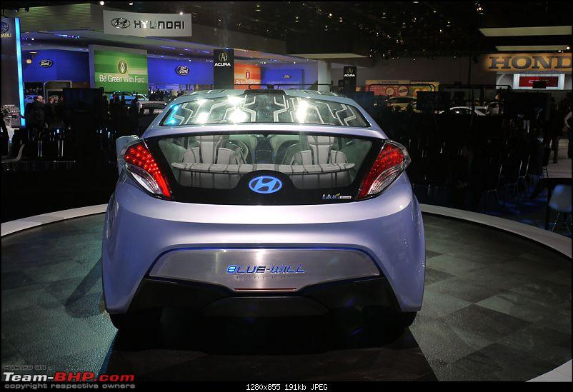 All the action of Detroit Motor Show 2010-hyundaibluewilllive_25.jpg