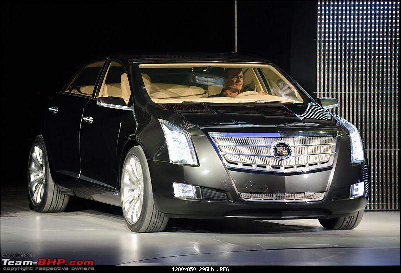 All the action of Detroit Motor Show 2010-05_cadillacxtsdetroitlive.jpg