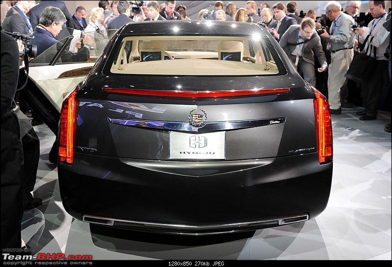 All the action of Detroit Motor Show 2010-08_cadillacxtsdetroitlive.jpg
