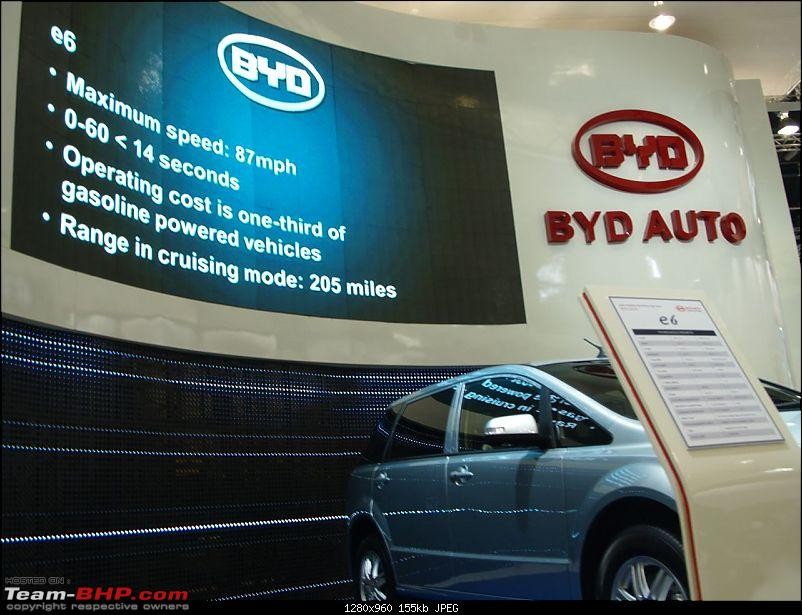 All the action of Detroit Motor Show 2010-byde618.jpg