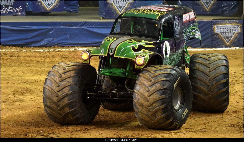 Pics: Monster Jam - Monster Trucks with 1,500 horsepower!-grave-digger.jpg