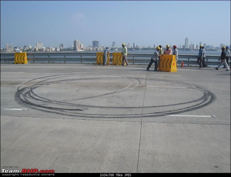 Red Bull F1 car @ Bandra Worli Sealink in Mumbai. UPDATE: Report & Videos pg7 onwards-img_1735-large.jpg