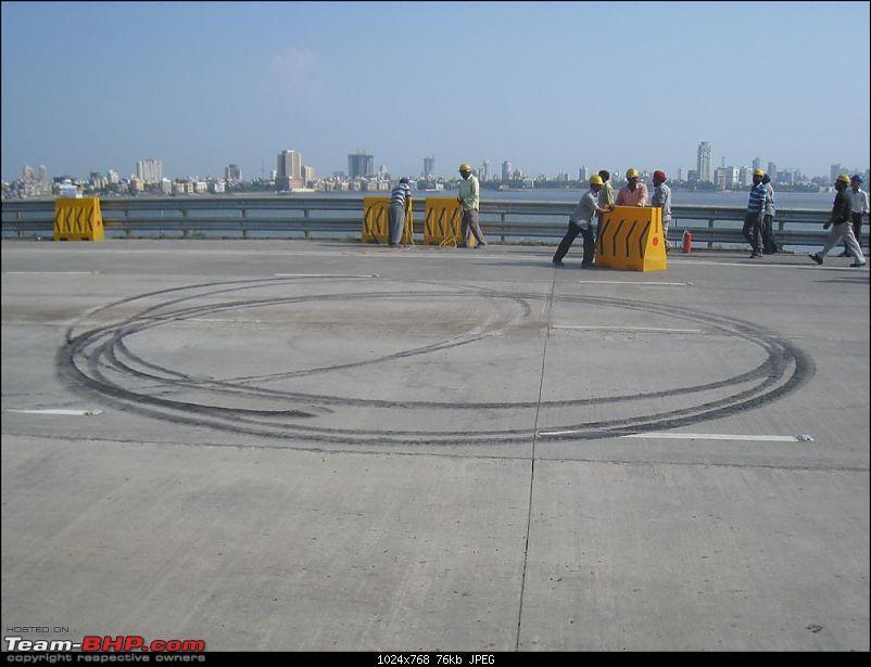 Red Bull F1 car @ Bandra Worli Sealink in Mumbai. UPDATE: Report & Videos pg7 onwards-img_1735-large.jpg