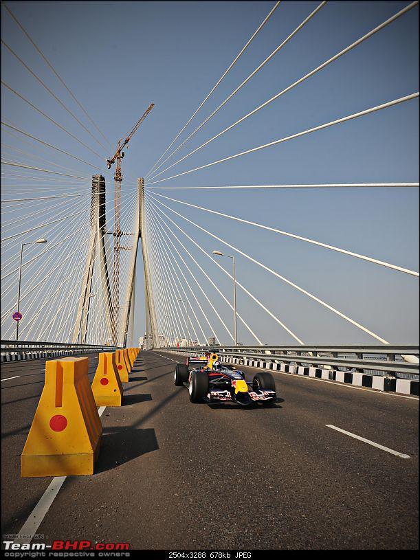 Red Bull F1 car @ Bandra Worli Sealink in Mumbai. UPDATE: Report & Videos pg7 onwards-pv_india-_f1_0006.jpg