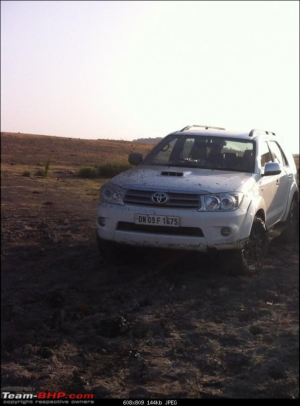 My BRUTE-FORT: Toyota Fortuner 4x4 M/T [Upgraded Brake Booster & A/T Tyres]-stuck-3-2.jpg