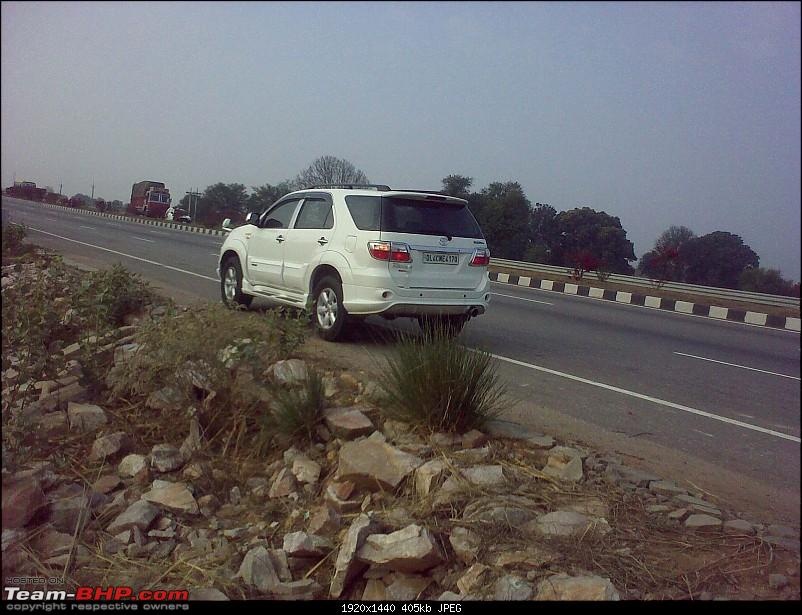 Obelix, the Invincible Toyota Fortuner! 2,00,000 km and going strong!-2.0-rear-jaipur-highway.jpg