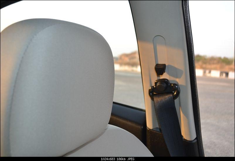 My 2014 Grey Fiat Linea 1.3L MJD-seat-belt-height-adj.jpg