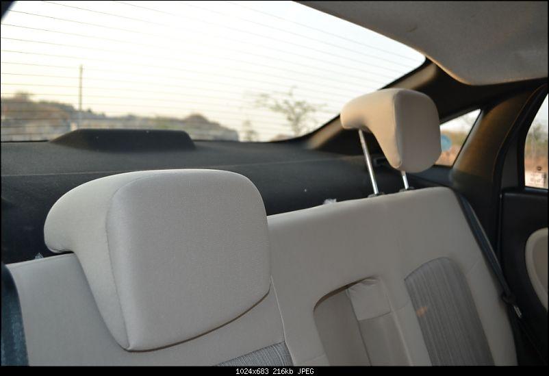 My 2014 Grey Fiat Linea 1.3L MJD-seat-head-rest.jpg