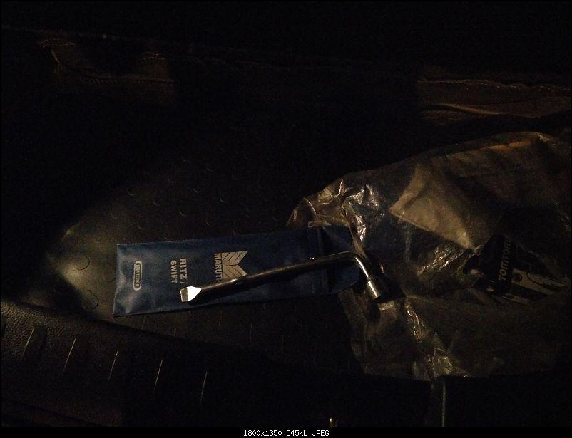 The story of a Blue Streak a.k.a Maruti Swift ZDi (Torque Blue). EDIT: 1,11,111 km up!-old-t10-bulb.jpg