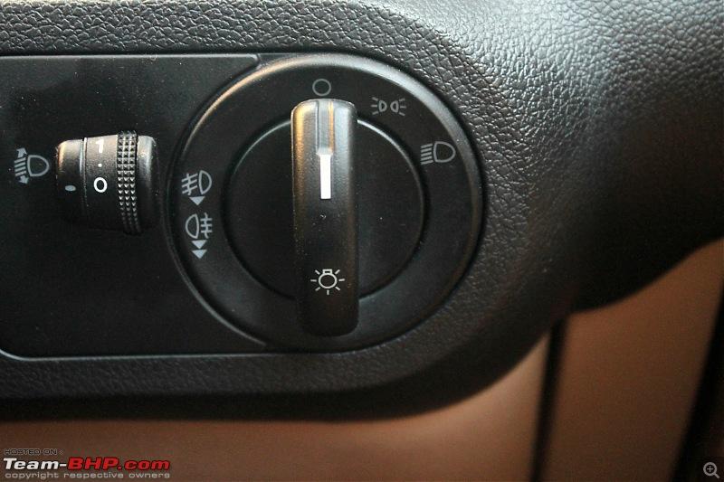 My 2015 Ford Classic 1.6 Titanium-headlight-switch.jpg