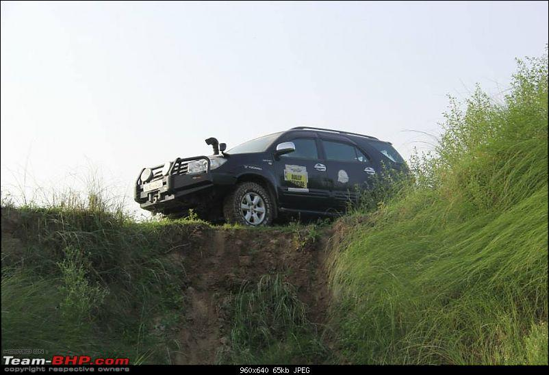 Trucking in my Atlantis! My Pre-Worshipped Toyota Fortuner 3.0L 4x4 MT - 190,000 km crunched-2f.jpg