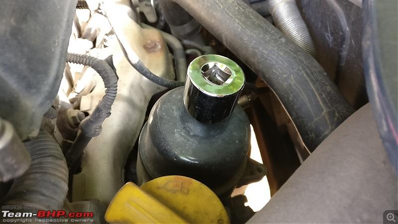 The story of a Blue Streak a.k.a Maruti Swift ZDi (Torque Blue). 1,20,000 km up & now sold-27mm-socket-used-open-oil-filter.jpg
