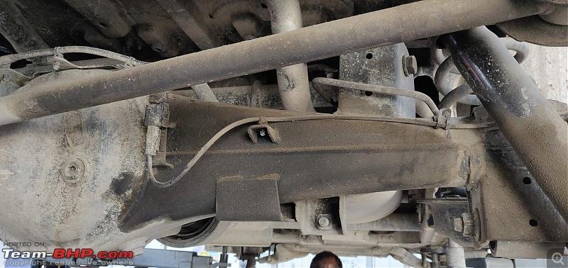 Raging Red Rover (R3) - My Mahindra Scorpio S10 4x4-possible-oil-leakage.jpg