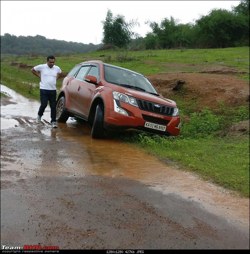 Ownership tales of Orange Cheetah, my 2015 Mahindra XUV5OO W10 FWD - 140,000 km and going strong!-stuck2.jpg