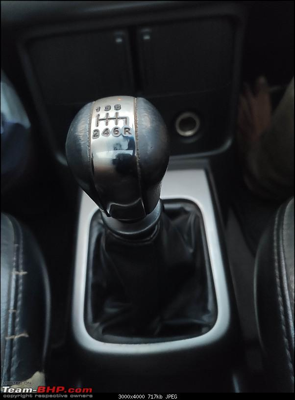 Living with a decade-old used car : My 2006 Nissan X-Trail-gearknob.jpg