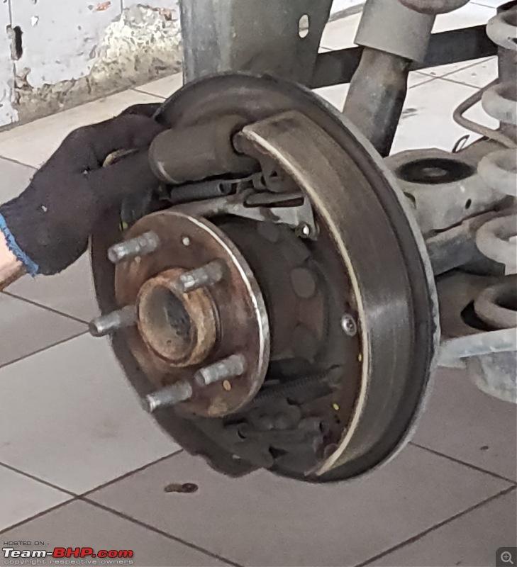 Raging Red Rover (R3) - My Mahindra Scorpio S10 4x4-brake-drum-off.jpg