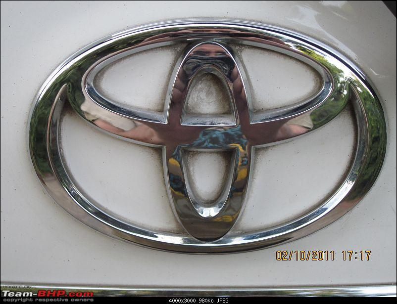 Obelix, the Invincible Toyota Fortuner! 2,00,000 km and going strong!-rear-door-emblem.jpg