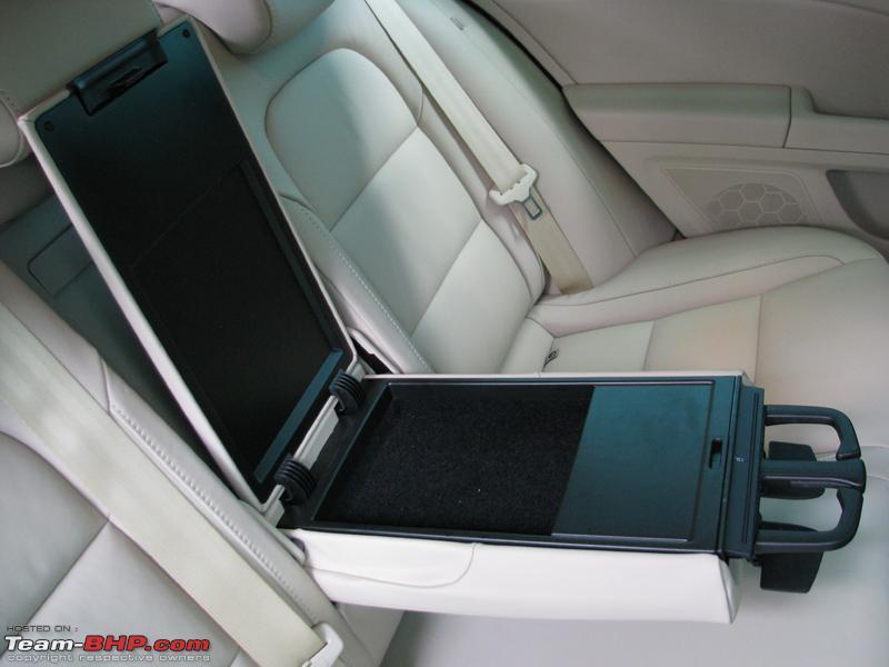 Name:  36 Superb Seats Rear Armrest1.JPG Views: 14204 Size:  229.1 KB